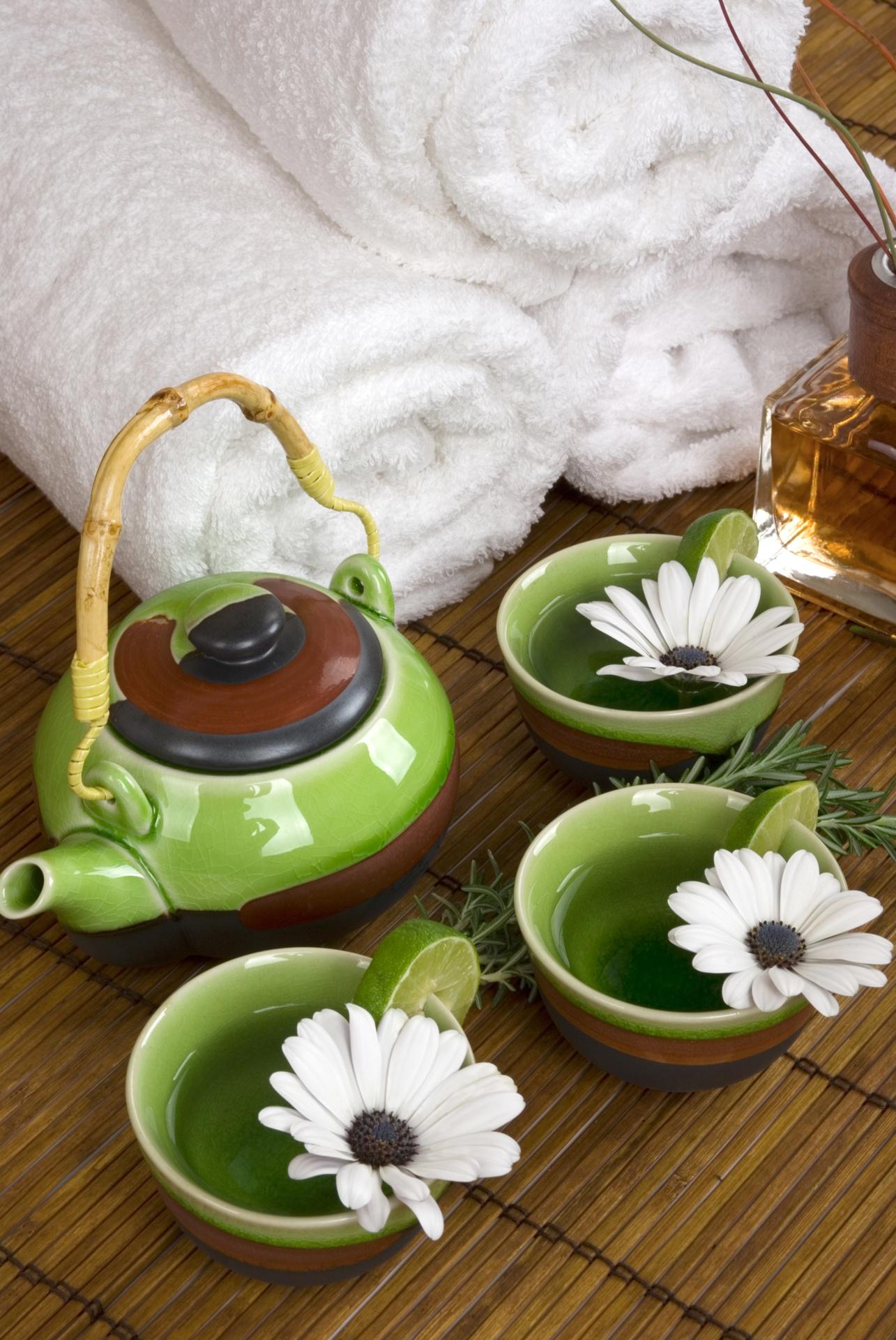 Eine Tasse Tee vor der Massage entspannt